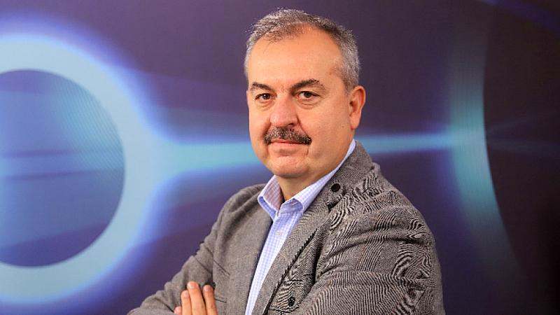 Припомняме, че . Текстът беше предложен от опозиционната ВМРО-ДПМНЕ, която
