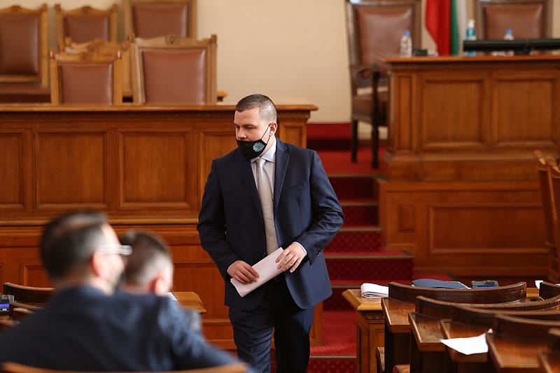 """""""Г-н Ненков, Вие казвате, че политическият живот не е Фейсбук."""