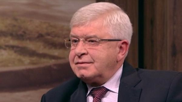 Докато медсестрите стачкуват: МЗ на Кирил Ананиев отказва да каже колко пари получава негов съветник