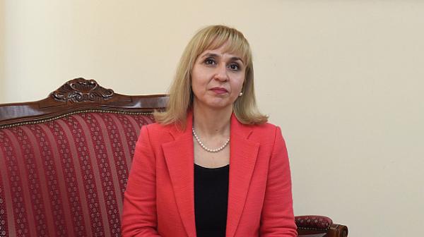 Омбудсманът Диана Ковачева: Усеща се тревожност сред тийнейджърите заради пандемията