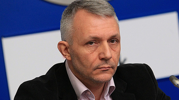 Адв. Хаджигенов: Съдейки по писъците, явно Пеевски ще стане защитен свидетел срещу Борисов